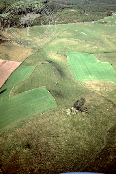 Maglehems ora [Ohra] - with plantations, buildings and prehistoric remains (4 May, 1989). | LH.0675