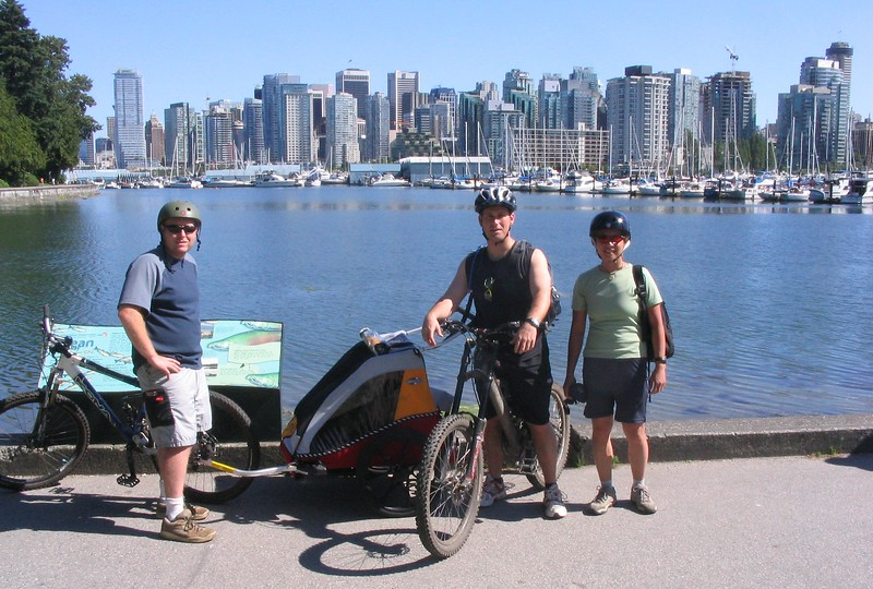 Jeremy, Brody (in trailer), Scott & Donna cycling Vancouver's Sea Wall