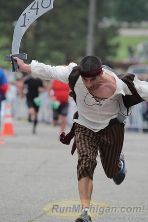 Featured, Gallery 1 - 2013 Brooksie Way Half Marathon