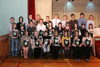 Pictured are the GCSE certificate students at rathfriland High School prize night. 48-33-06.
