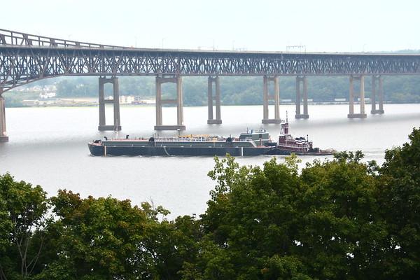 Approaching Newburgh - Beacon Bridge
