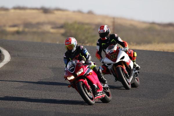 00 Yamaha Red Arai