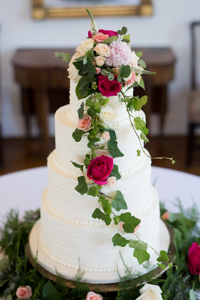 knoxville-wedding-cake-crescent-bend (14 of 56).jpg
