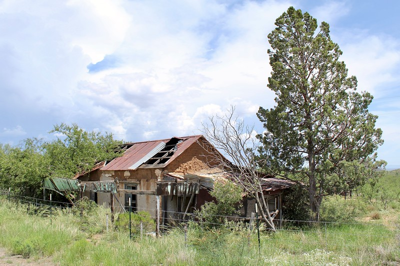 Abandoned home in Gleeson (2019)