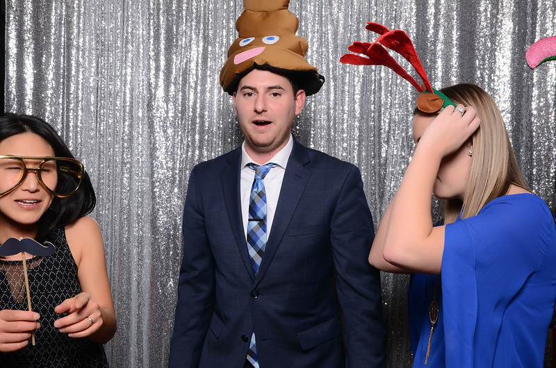 nwg residential holiday party 2017 photography-0151.jpg