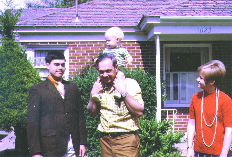 Mike,Rusty,GrandpaWayne,Mona,July 1970   .jpg