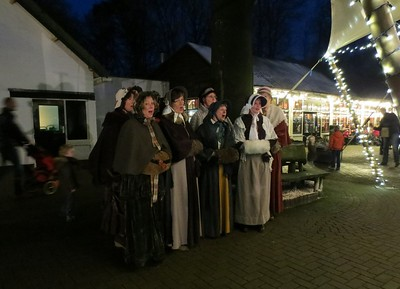 2013-1228 Vocality in Dierenpark Amersfoort (ingrid)