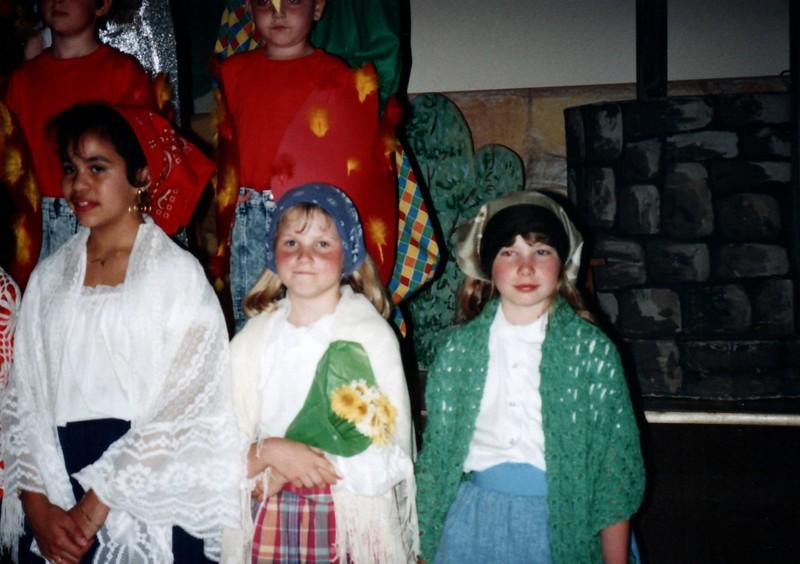 1991_Spring_Orlando_Amelia_birthday_some_TN_0002_a.jpg