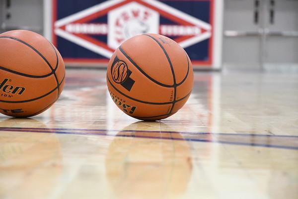 Varsity Boys Basketball vs Ralston