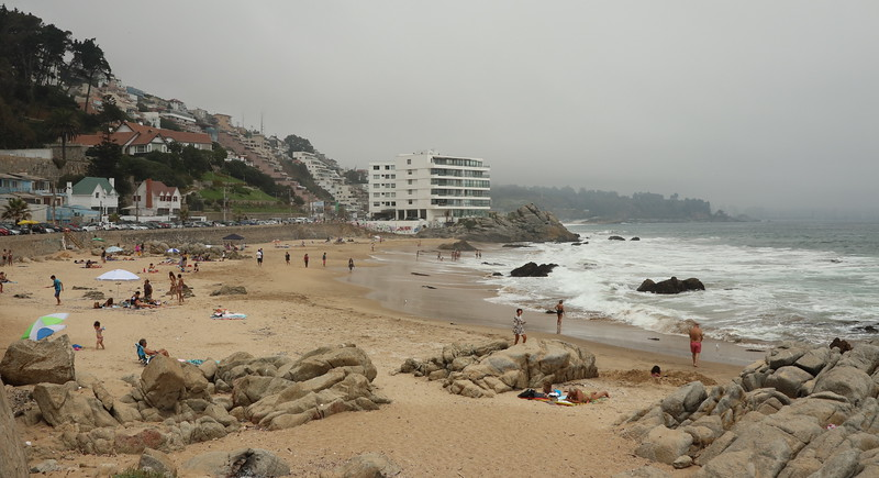 We stopped for lunch along the sea  @ Vina Del Mar