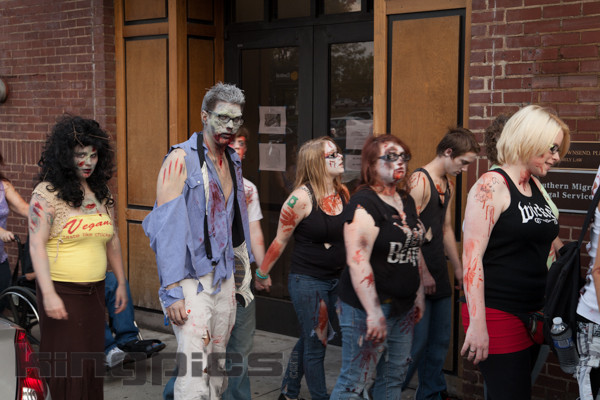ZombieWalk2012131012065.jpg