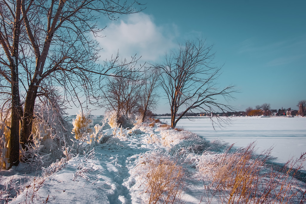 How to Photograph Winter Landscapes - Shoot in RAW