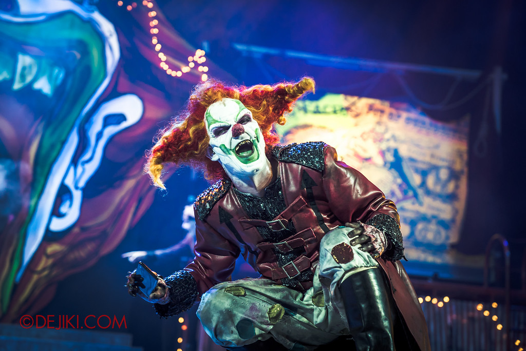 Halloween Horror Nights 6 - Jack's Recurring Nightmare Circus / Jack laughs at the photobomb