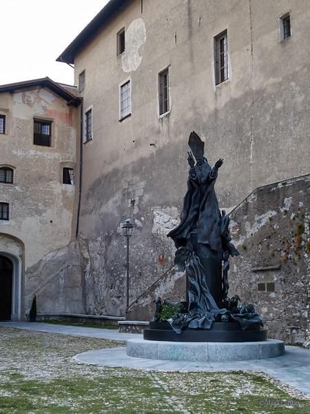07 Sacro Monte.jpg