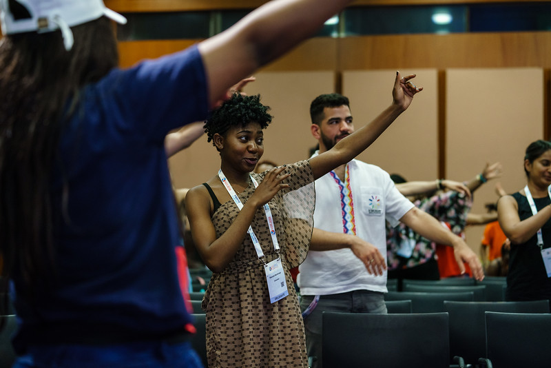 22nd International AIDS Conference (AIDS 2018) Amsterdam, Netherlands.   Copyright: Matthijs Immink/IAS  Young people at the centre: Community mobilization for youth-friendly HIV services  On the photo:  Ice breaker with Public