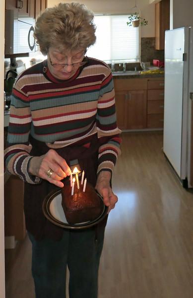 Bubbi brings birthday cake