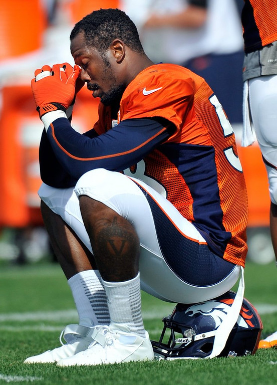 ". <p>7. (tie) VON MILLER  <p>Broncos� urine test woes never would have happened with new, improved Whizzinator. (unranked) <p><b><a href=\'http://profootballtalk.nbcsports.com/2013/08/19/spilled-urine-diluted-urine-led-to-von-miller-mess/\' target=""_blank\""> HUH?</a></b> <p>    (AP Photo/Jack Dempsey, File)"