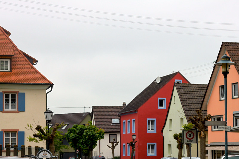 I love the colors of the houses in Herbolzheim.
