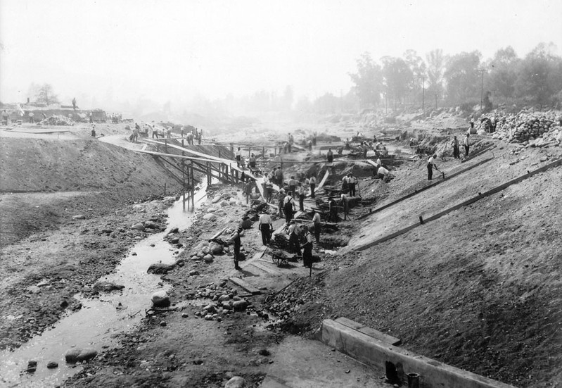 Excavation of Arroyo Seco Drive
