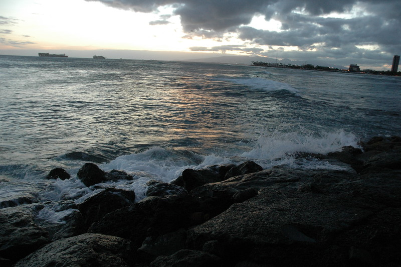 Hawaii - Ala Moana Beach Sunset-123.JPG