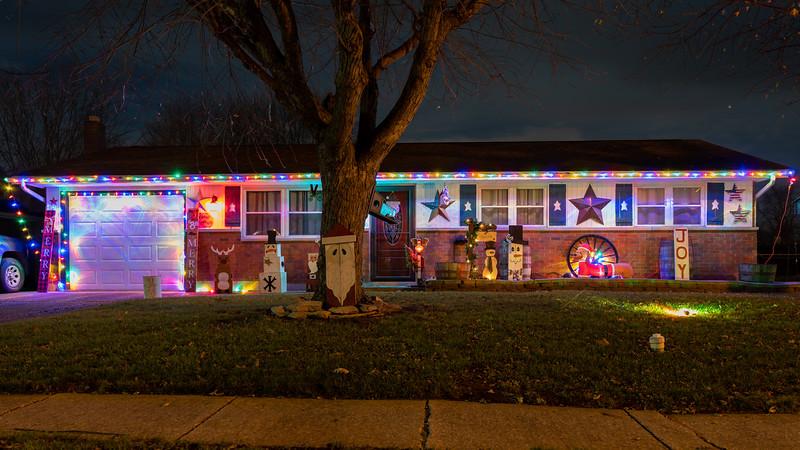 logan-elm-village-christmas-lights-117.jpg