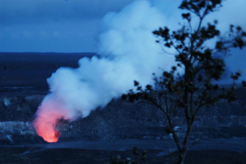 289- 20080412- Hawaii 15- Volcano Nat'l Park Plume Night shots DSC_3204.jpg