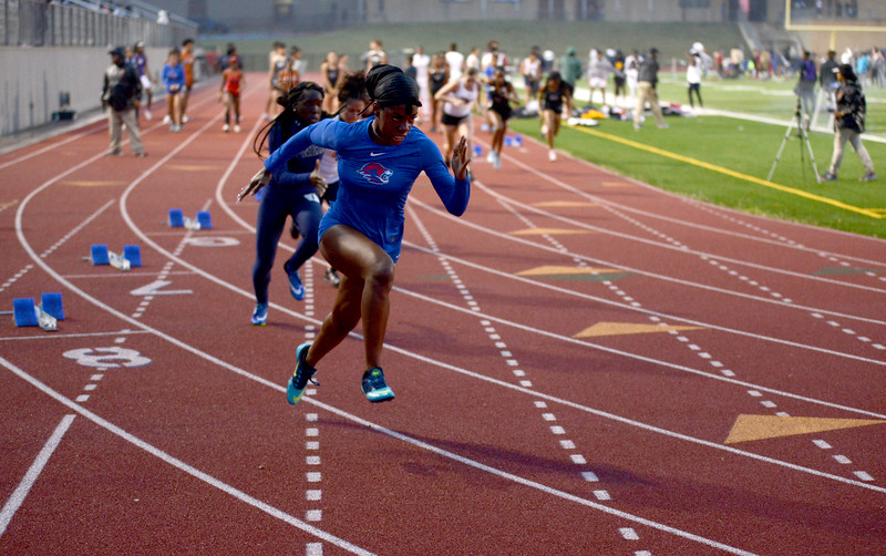 HS-Track-13-6A-District-Championships_032.jpg