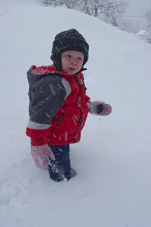 032111 Snow in Yard