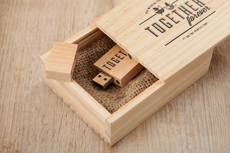 Wooden-USB-Box-10.jpg