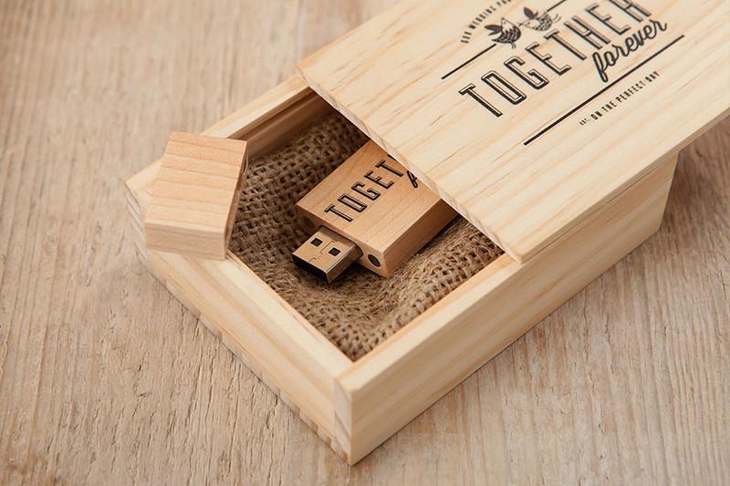 Wooden-USB-Box-10.jpg