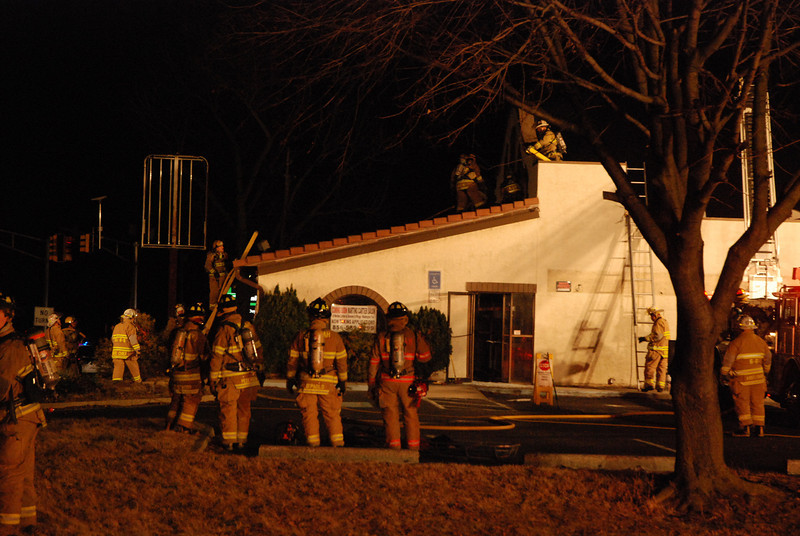 2-17-2009 (Gloucester County) WEST DEPTFORD - Route 45 and Parkville Station Rd (Vacant Taco Bell) - Building Fire - All Hands