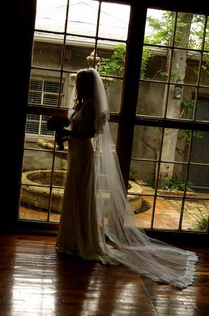 Holly H Bridals
