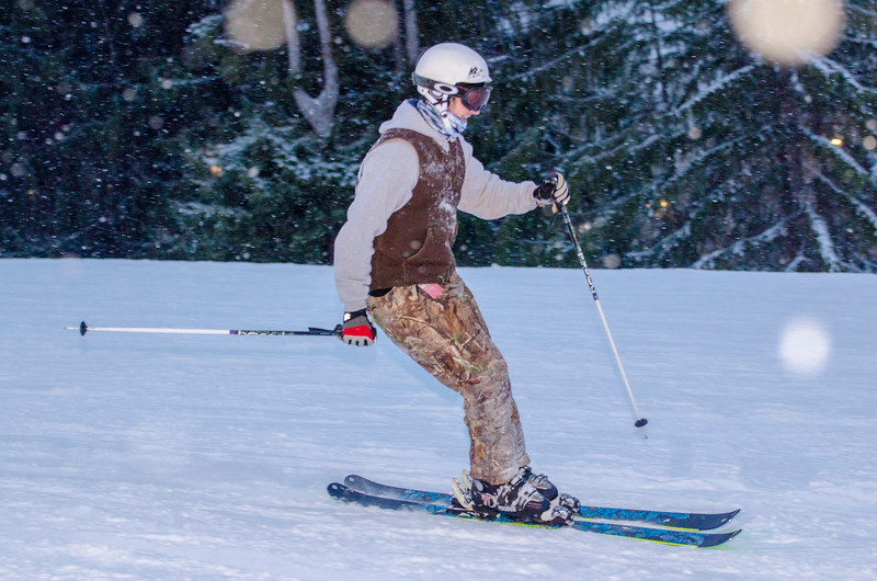 Opening-Day-Slopes-2014_Snow-Trails-71136.jpg
