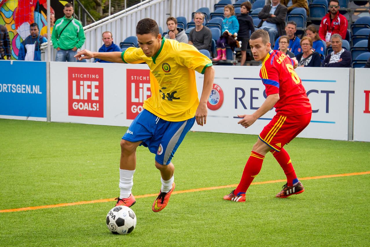 Julio Cesar playing for Brasil