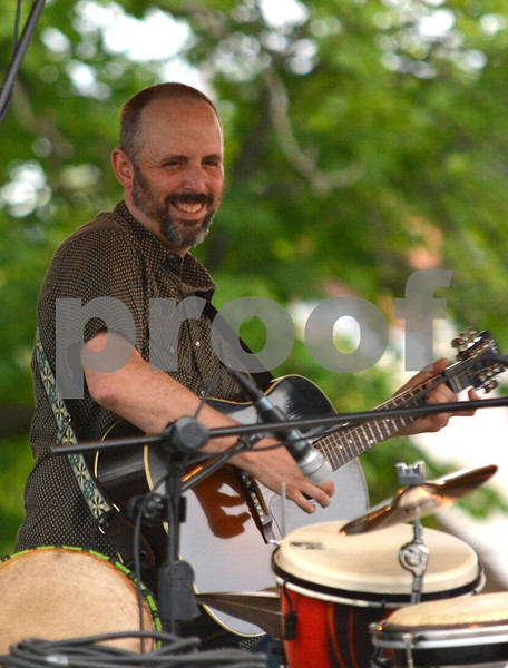 Phil Henry Acoustic Trio 07262017