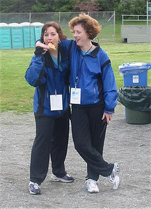 2003 Times-Colonist 10K - A horrendous shot of race directors Sheri Donovan and Jan Buehler