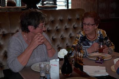 2015-03 Lunchen met Oma