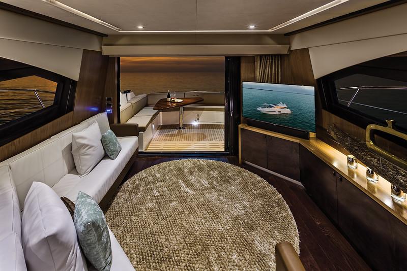 2015-590-Express-Interior-Rev-Salon.jpg