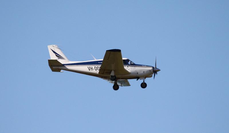 VH-DOE PIPER PA-24
