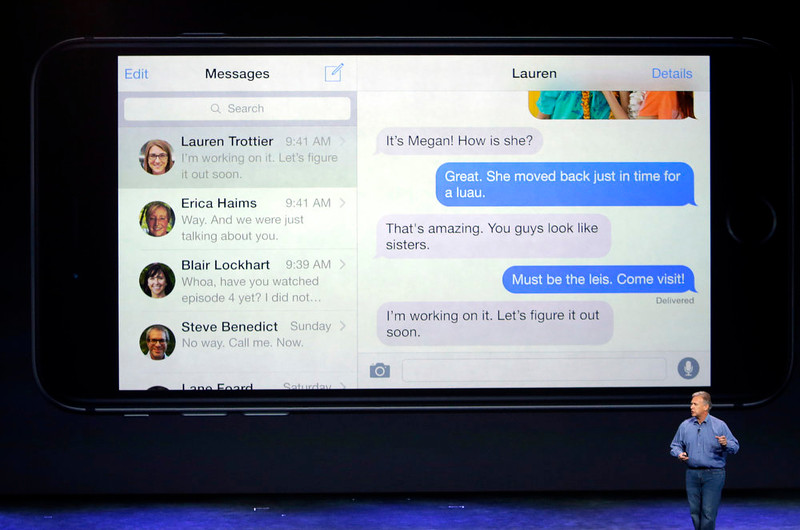 . Phil Schiller, Apple\'s senior vice president of worldwide product marketing, discusses messaging on the new iPhone 6 and iPhone 6 plus on Tuesday, Sept. 9, 2014, in Cupertino, Calif. (AP Photo/Marcio Jose Sanchez)