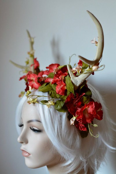 eb7d9ecf1e564dd55c4fdbfba7642e31--fantasy-wedding-headdress.jpg