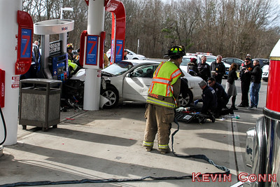 MVA 1-14-17 Wm Floyd Parkway at Moriches Middle Island Rd