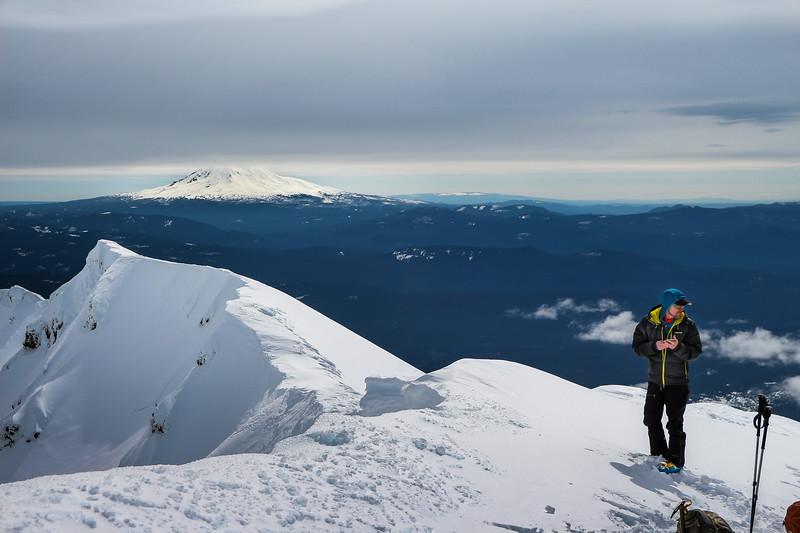 mount-st-helens-summit-mountaineering-skiing-backcountry-pnw-skiing-adventure.jpg