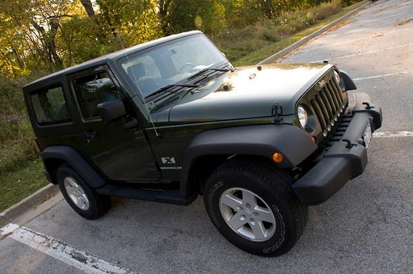 clip-015-automobile_jeep-wdsm-04oct11-0947.jpg