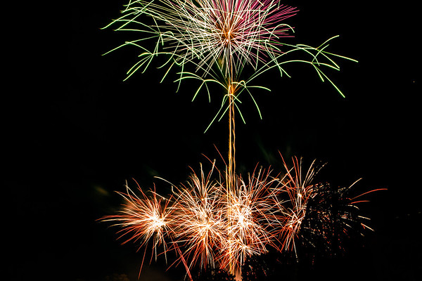 2018 - Dunorlan Park Fireworks 023_