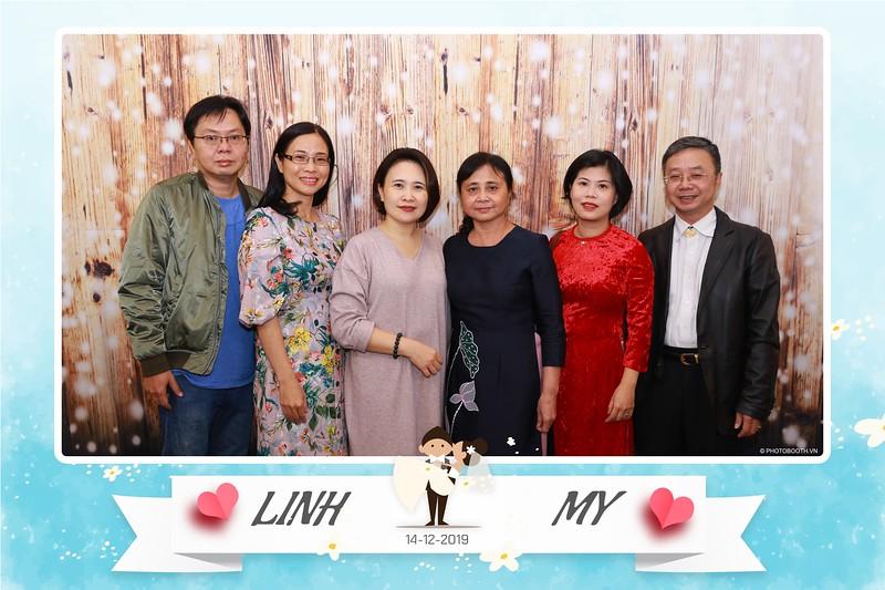 Linh-My-wedding-instant-print-photo-booth-in-Ha-Noi-Chup-anh-in-hnh-lay-ngay-Tiec-cuoi-tai-Ha-noi-WefieBox-photobooth-hanoi-31.jpg