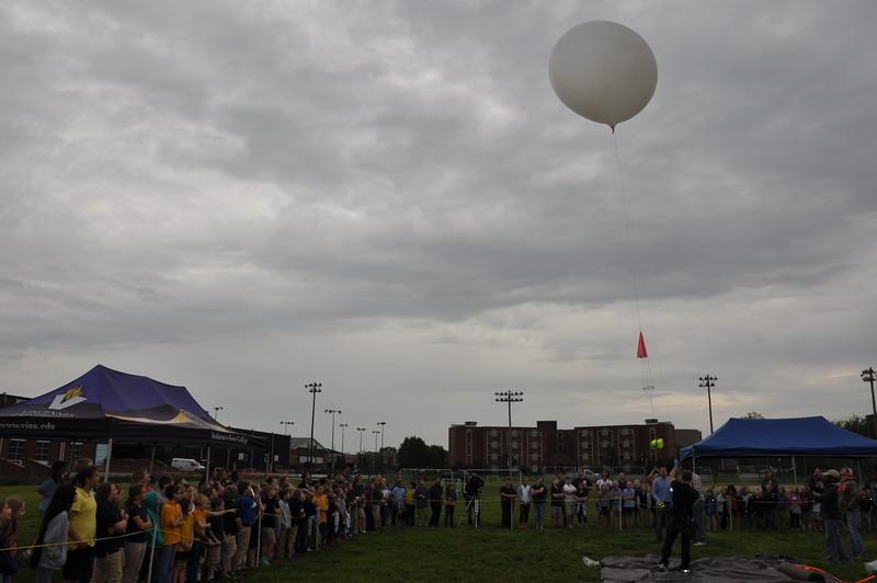 160509 VU Weather Balloon Launch (28).JPG