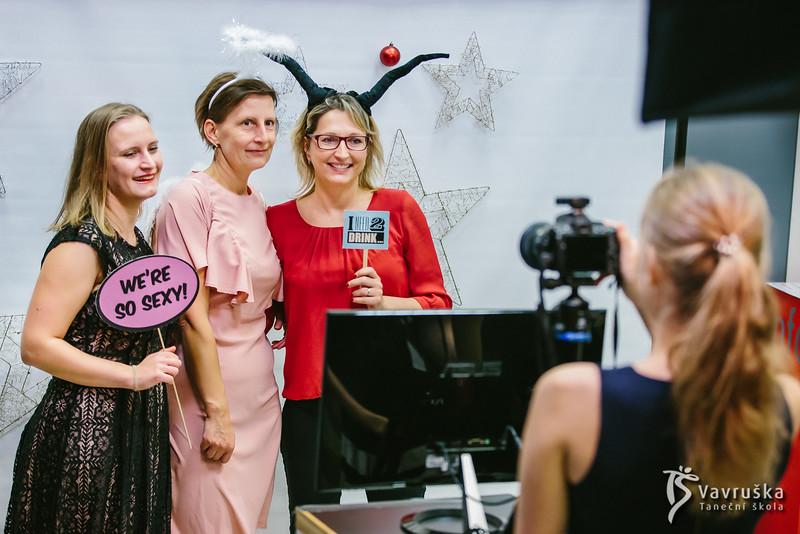 20191210-180749_0075-ladies-night-vavruska-charitas.jpg