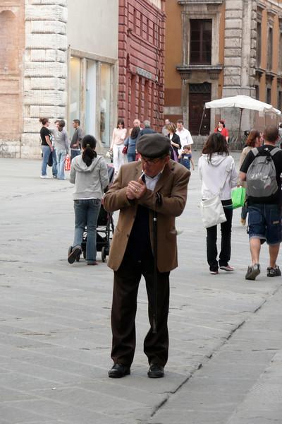 Tossico dipendente. Perugia, Umbria