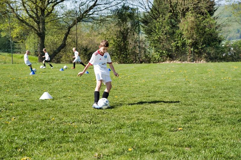 hsv-fussballschule---wochendendcamp-hannm-am-22-und-23042019-w-35_47677904932_o.jpg
